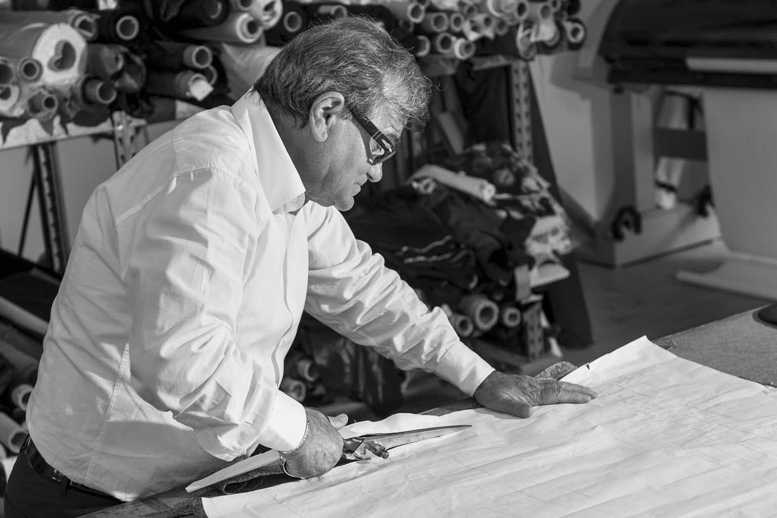 Il taglio eseguito dalla mano esperta di Sandro Angeletti